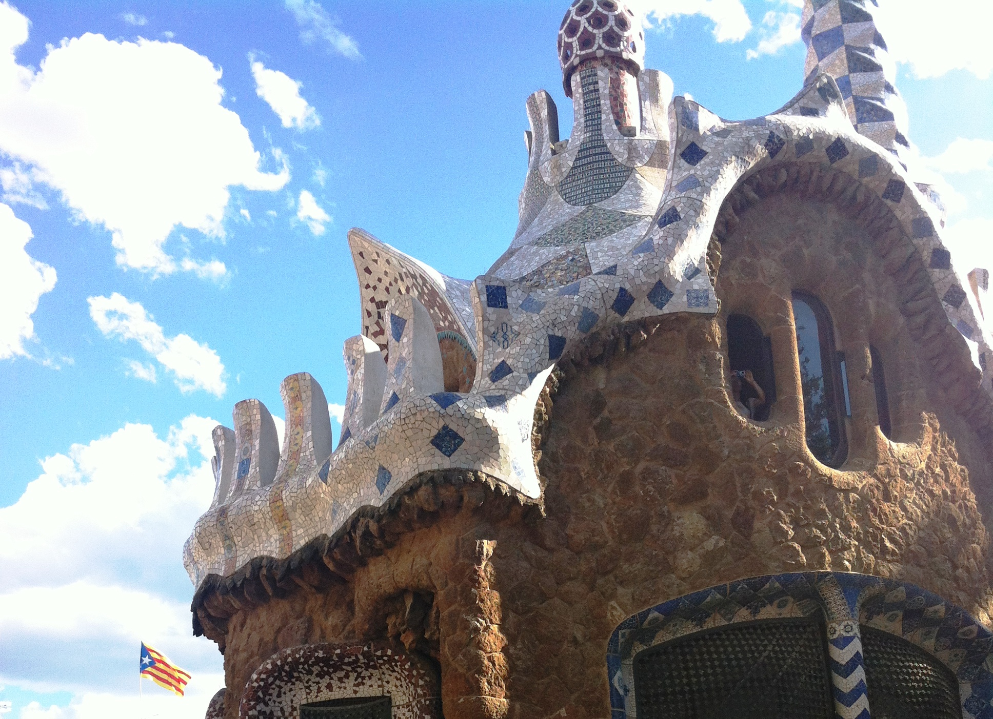 4 h walking tour – Barcelona Gaudí Tour
